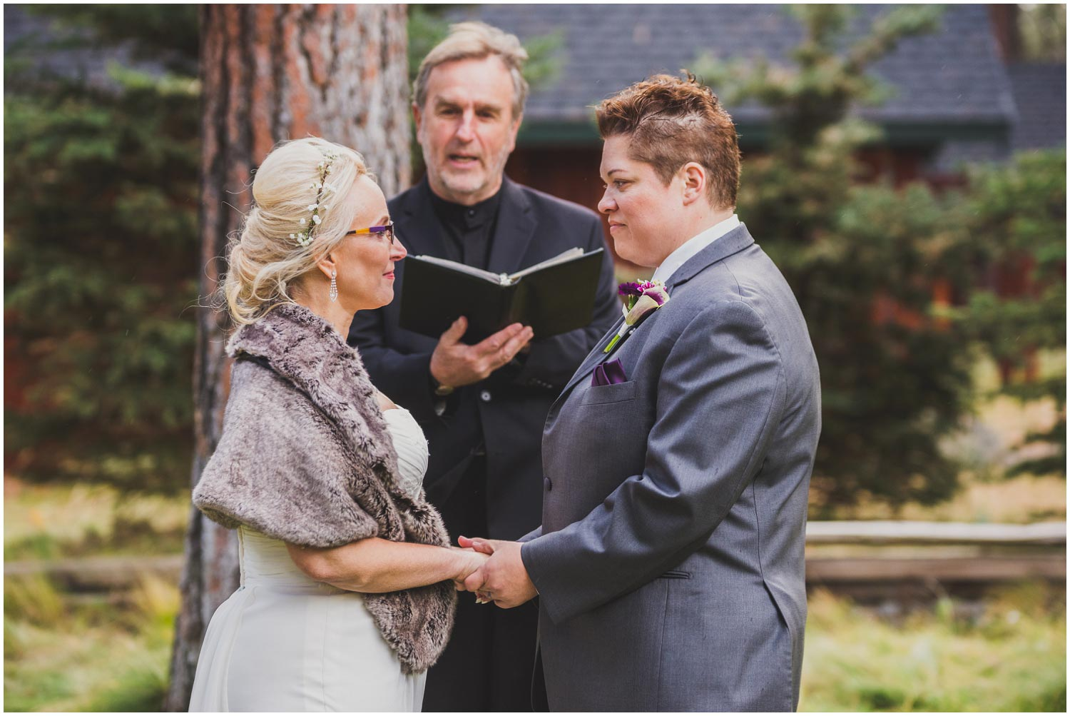 intimate wedding ceremony on rainy fall day at five pine lodge sisters oregon